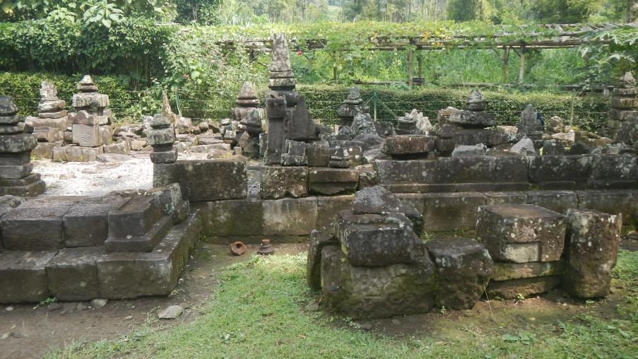 Lawang Temple