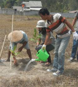 Khiri Travel Team and Farmers